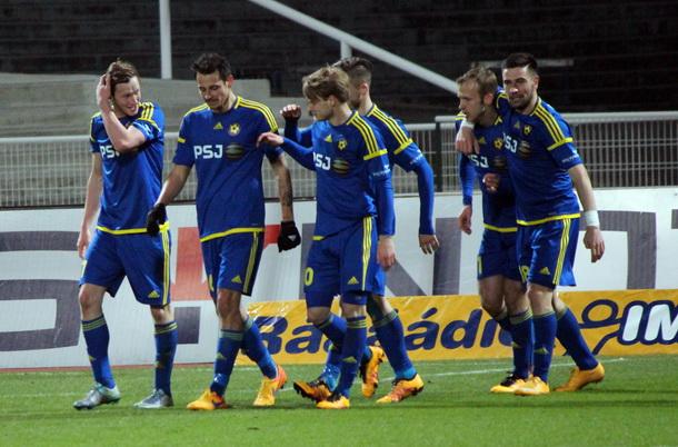 Yani Urdinov (farthest right) celebrates with his teammates; photo: Vysočina